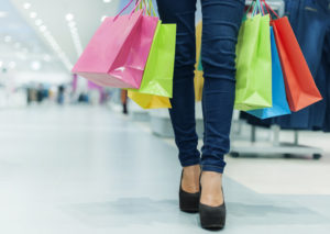 Aperture festive dei negozi: necessaria una revisione della Legge