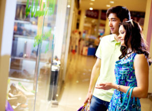 Regolamentazione orari dei negozi: proposta stop alle aperture domenicali