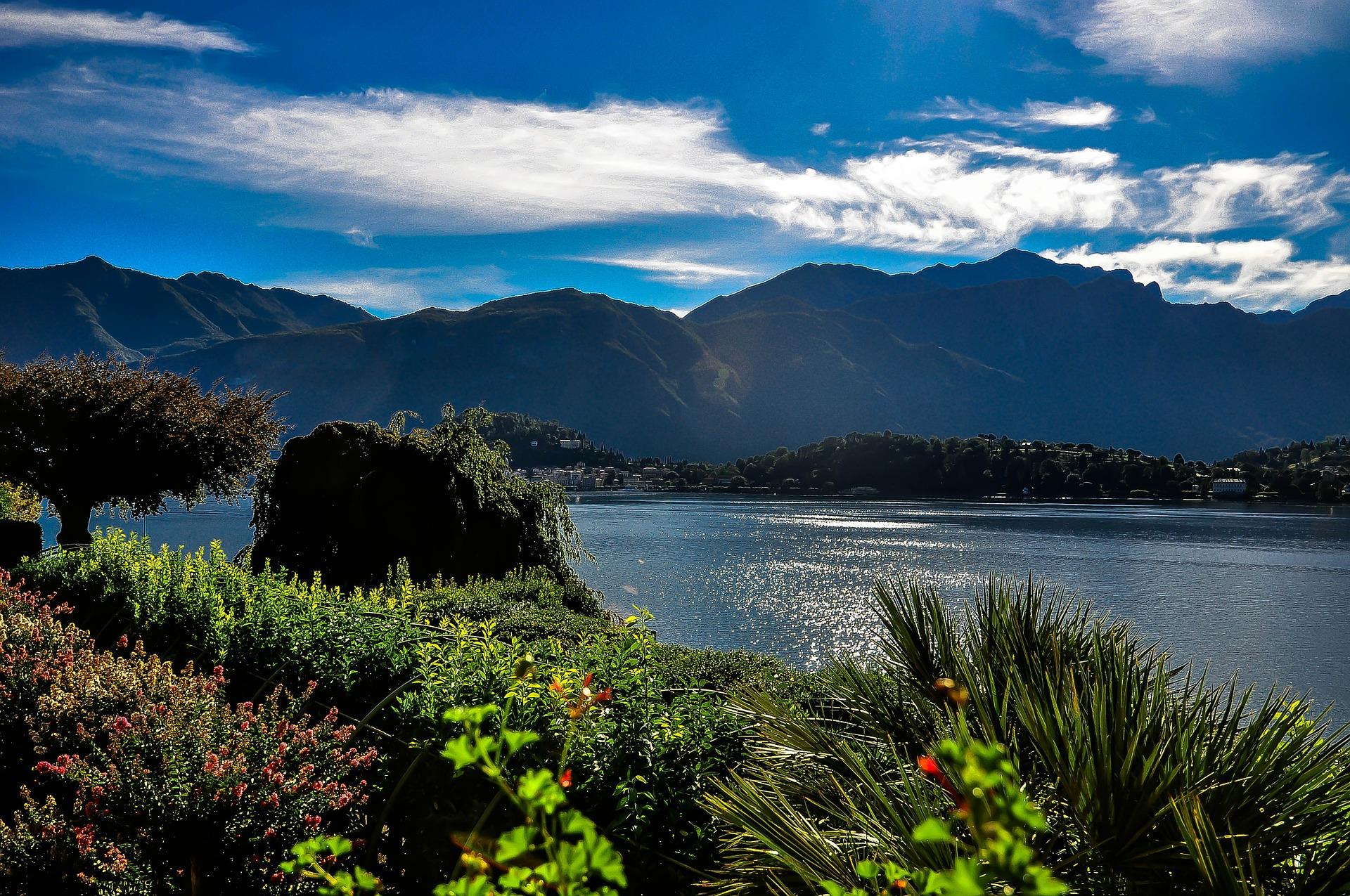 lake como restarts